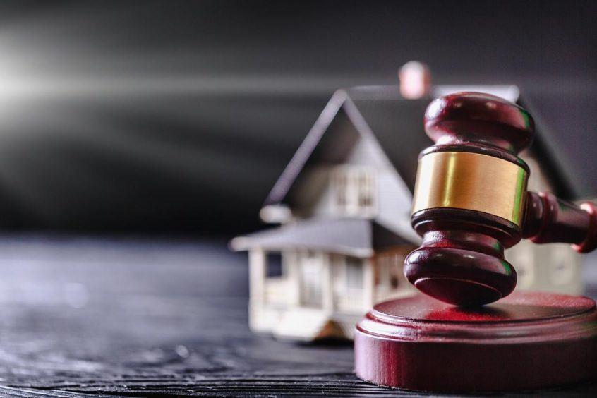 using trust company as estate executor pros cons